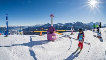 Learning to ski is child's play! The Croni World children's ski park